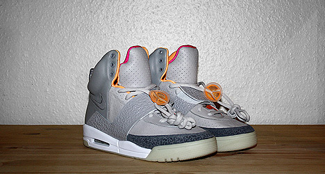 Nike AIR Yeezy for sale