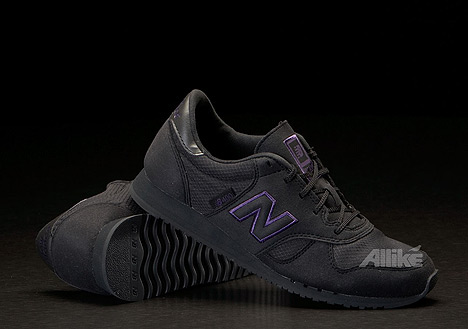 Allike Spring Sale 2010 - New Balance U400 Black/Purple