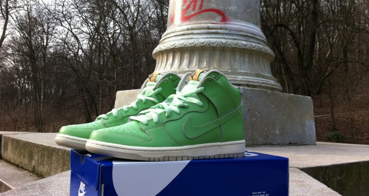 Nike SB Dunk High Statue of Liberty