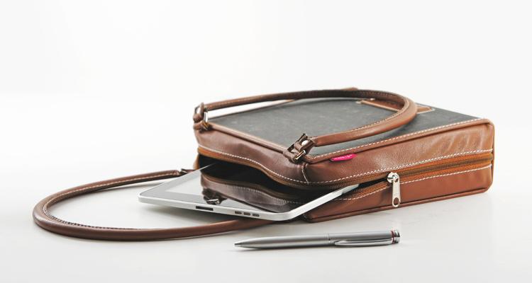 ad:acta - Die Tasche aus alten Aktenordnern