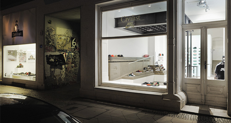 Civilist / Nike SB Schaufenster Display